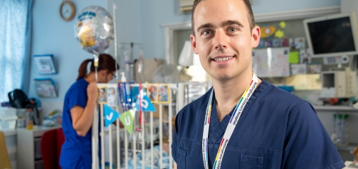 Nurse awarded prestigious clinical academic award