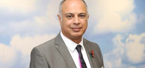 ARC EM Director given lifetime achievementaward for efforts to boost South Asian health