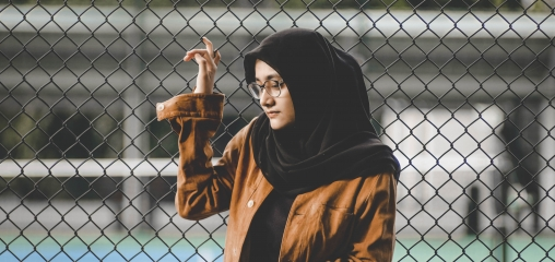 The influence of religious and ethnic belonging on adolescent girls' sedentary behaviour